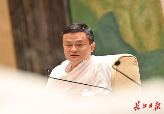 马云:逛了逛武汉的夜市,在这座城市里看到希望