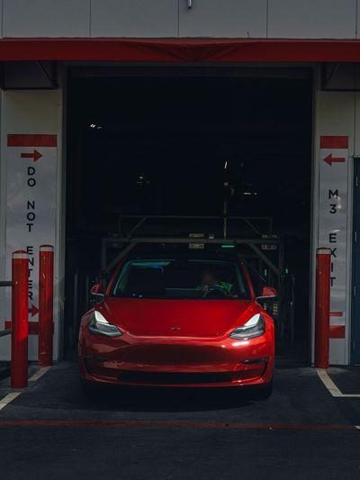 Model 3全新下線