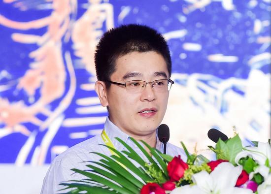 华夏银行网络金融部副总经理钟楼鹤