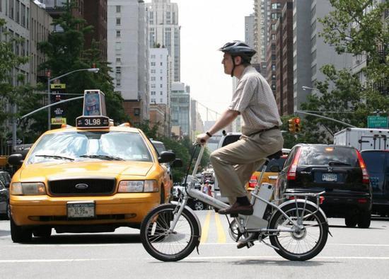纽约批准电单车和滑板车合法化