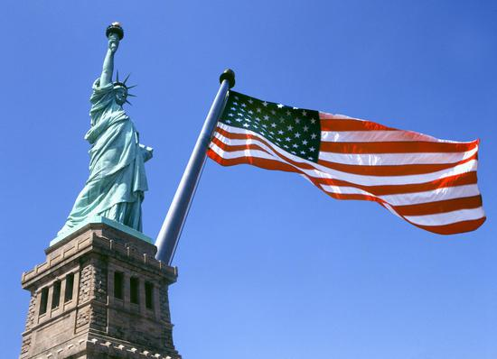 美国正试图在国际推行经济专政