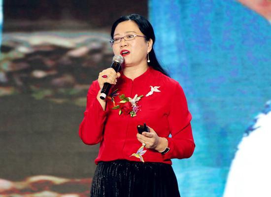依文集团董事长夏华女士