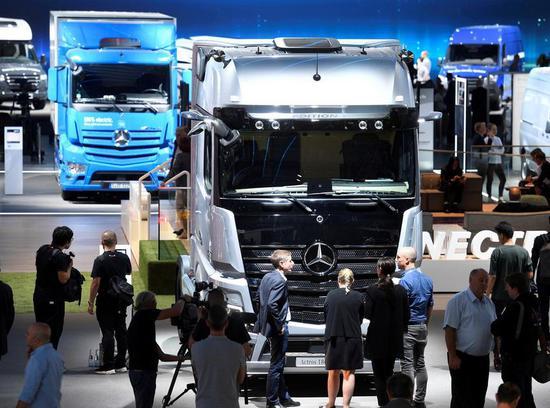 消息称奔驰拟在中国生产重型卡车