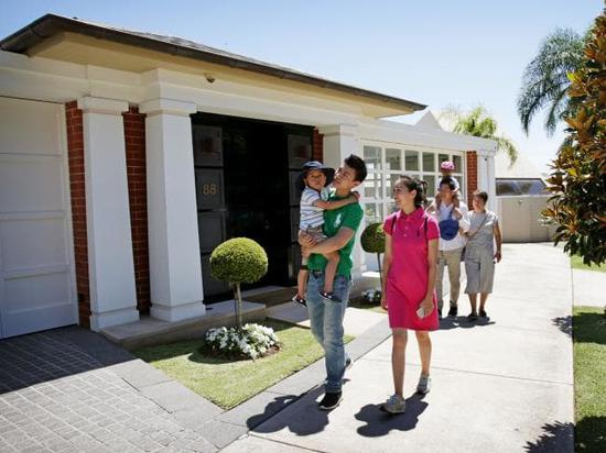"""""""外媒:中国人海外购房热潮不减 去年总投资1197亿美元"""