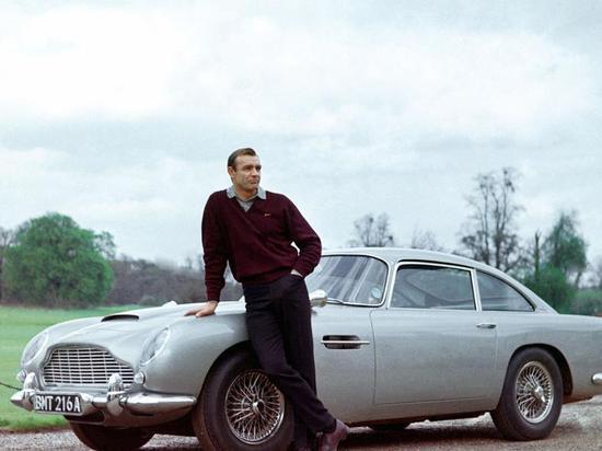 詹姆斯邦德的阿斯顿马丁跑车以640万美元被拍卖
