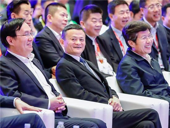 中国企业家俱乐部主席、阿里巴集团董事局主席马云