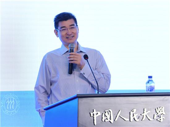 中国证券监督管理委员会研究中心正局级研究员刘青松