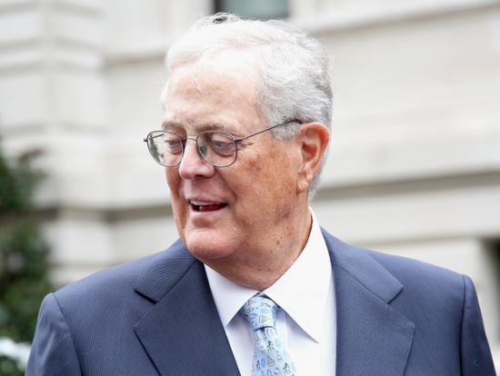 美国政坛保守派的金主实业家大卫-科赫去世 享年79岁