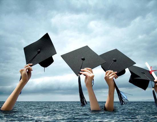 还债到死:研究显示美国这代人还清学生贷款需100年