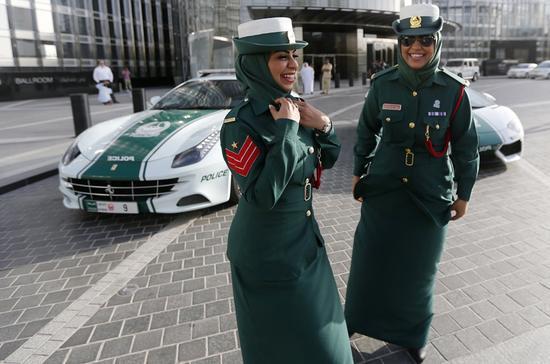 资料图片:迪拜街头豪车