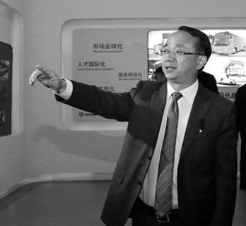 图为金龙联合汽车工业(苏州)有限公司总经理吴文文。