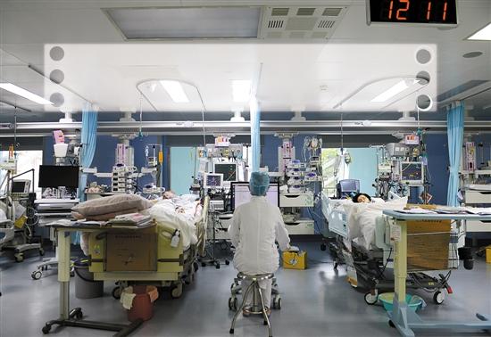 ICU病房 汤铭明 摄(资料图片)