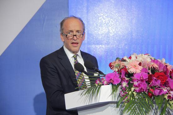 """""""2016青岛·中国财富论坛""""于6月3日-5日在青岛召开。上图为伦敦金融城行政司法长官、市议员Charles Bowman。(摄影:李彦丽)"""