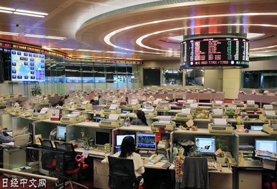 香港买卖所成为匿名者与国家公司的角斗场