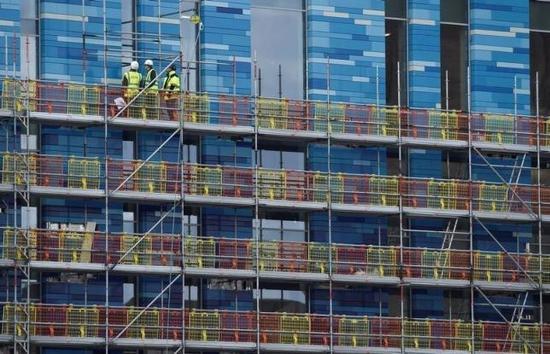 3月7日,伦敦一处住宅建设工地。REUTERS/TOBY MELVILLE/FILE PHOTO