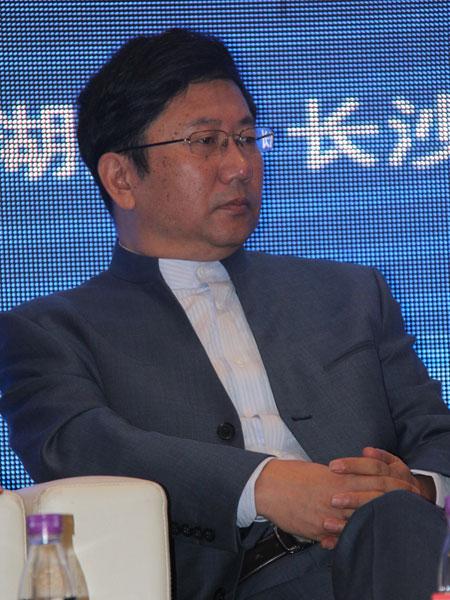 清华控股有限公司董事长徐井宏
