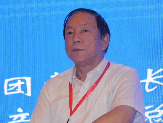 复旦大学华商研究中心主任、教授徐培华