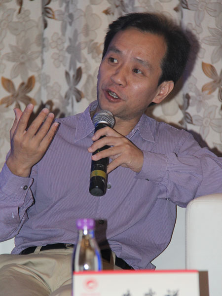 清华大学金融系教授朱武祥