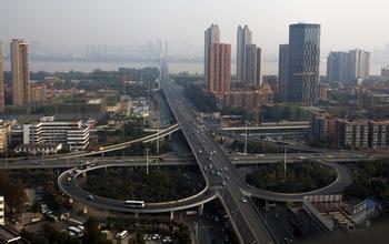 探秘中国经济数据背离之谜