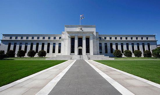 美联储应当考虑逐步加息