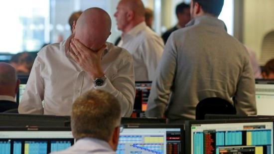 如果无法受惠欧盟单一市场,就会直接有损英国经济,央行会进一步降息,英镑就仍会跌跌不休。这对于英国经济接下来几年的前景而言绝不是个好消息。