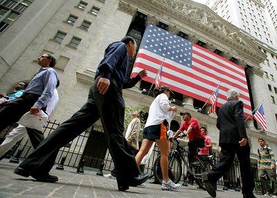 全球金融界巨头汇聚华盛顿 诟病低利率和德银