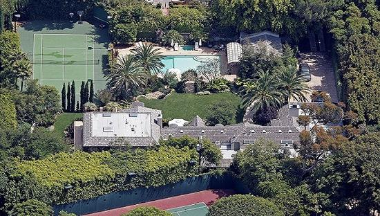 美国歌坛巨星麦当娜位于加州的豪宅。图像来历:视觉国家