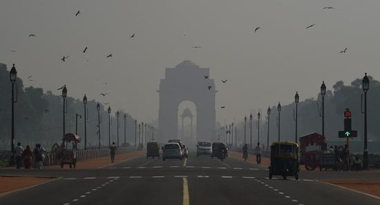 印度首都空气污染水平在排灯节期间超标41倍