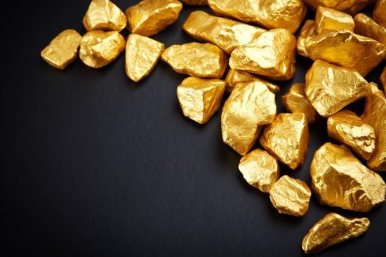 建议以定投的方式增持黄金
