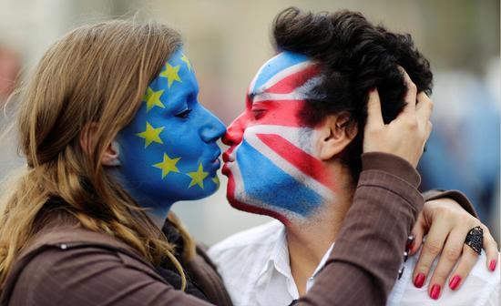 法院推翻脱欧决议告诉你什么是英国内阁
