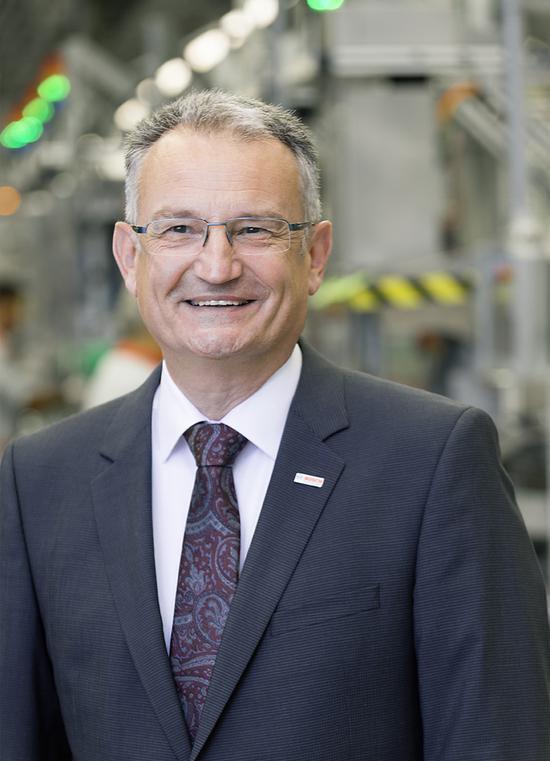 博世集团负责工业技术产业的董事斯托瑟(Werner Struth),工业4.0领域一位颇具威望的行家