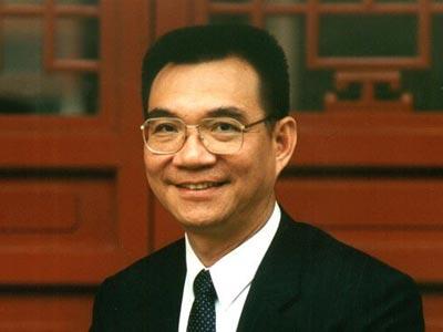 林毅夫:放慢增长改善环境不可取