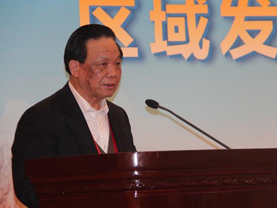 中国国际经济交流中心常务副理事长、国务院研究室原主任魏礼群