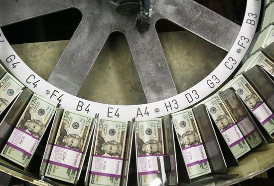 钱军:年内美元或将见顶 人民币年底以前会逆转