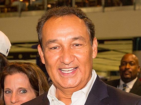美联航CEO奥斯卡-穆诺兹(Oscar Munoz)
