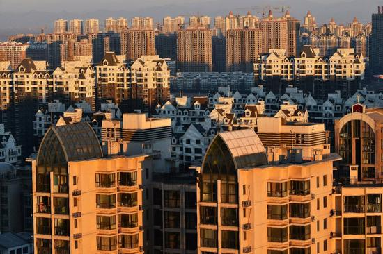 洪灏:中国房价周期已见顶 但泡沫暂时坚不可摧