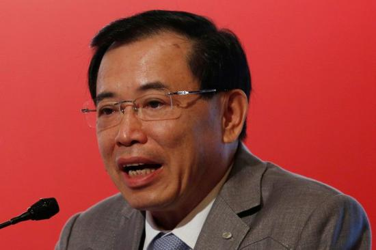 TCL董事长李东生4月21日在香港的一个论坛上讲话