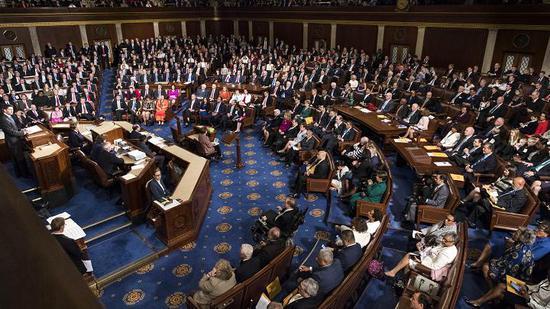美国国会通过临时拨款议案,联邦政府暂时避免关门
