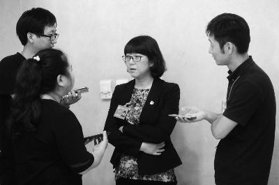 李云婷接受记者采访 摄/记者 郭谦