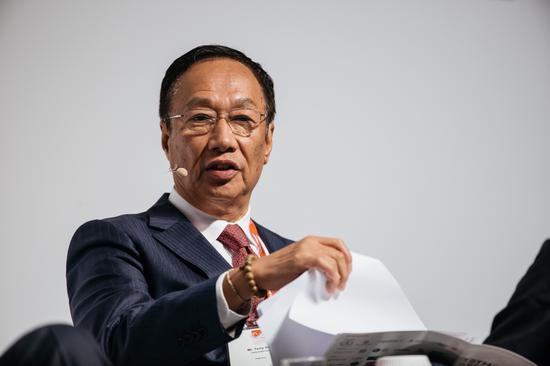 郭台铭:鸿海将于7月底前决定美国面板工厂的地点