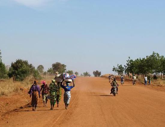 林毅夫:非洲国家为什么贫穷?