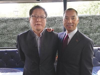 葛长忠(左)与郭文贵(右)合影。本版图片/警方供图