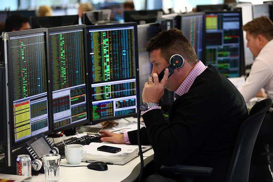 英国企业及投资者信心下跌 但股市仍蒸蒸日上