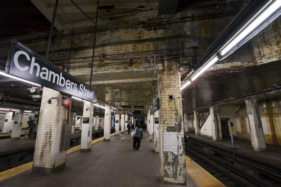"""美国纽约市长建议开征""""百万富翁税""""资助地铁升级"""