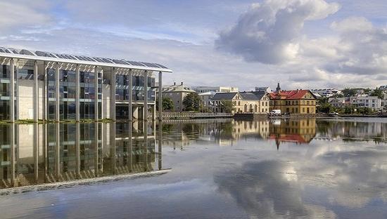 救命草成心头病 旅游业会让冰岛经济再次热过
