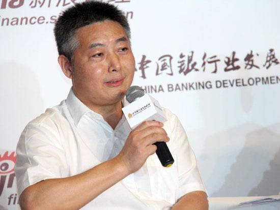 南京银行行长束行农