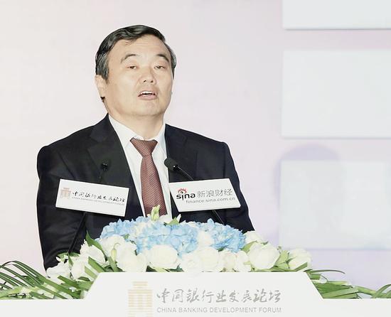 国家开发银行董事长胡怀邦