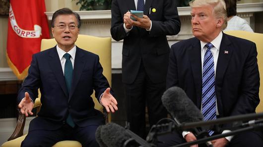 特朗普暂时放弃终止美韩自由贸易协议