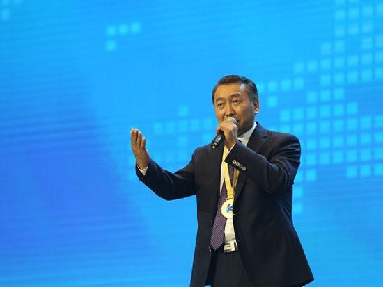 亚太环境新闻工作者协会主席、中国环境新闻工作者协会秘书长刘国正
