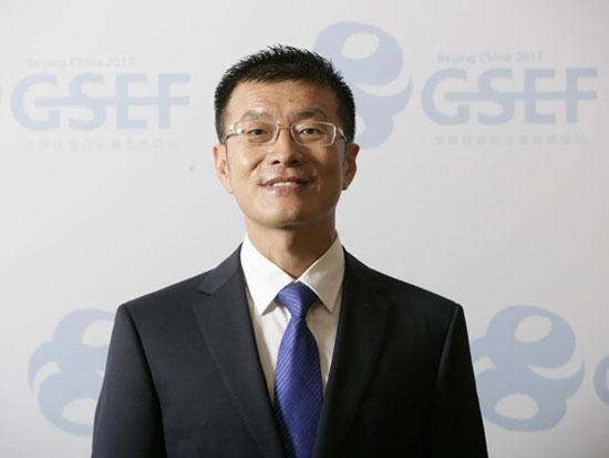康葆国际总裁卢伟